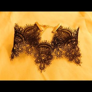 Jewelry - Beautiful lace choker